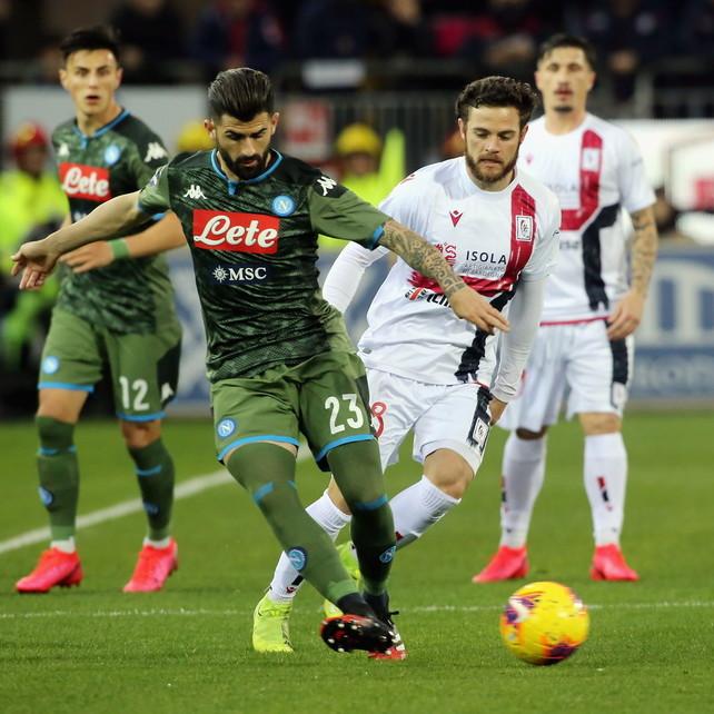Mertens la sblocca con una magia e mette Hamsik nel mirino | Cagliari-Napoli 0-1LIVE