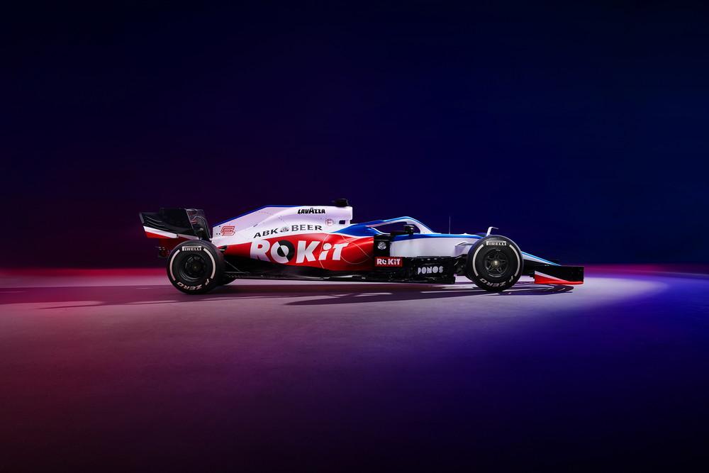 Svelata la FW43di Russell e Latifi per il Mondiale Formula 1 2020. Il team inglese, oltre al tradizionale bianco e blu in tonalità più chiara, presenta sulle pance il rosso per lo sponsor Rokit.