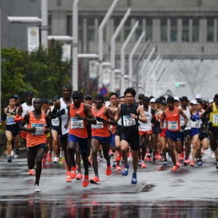 Il coronaviruscancella la maratona di Tokyo ma solo per i dilettanti