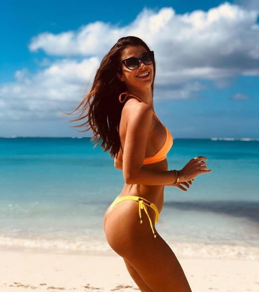 La NBA è in pausa per l'All Star Game e i giocatori ne approfittano per rilassarsi in vacanza, compreso Danilo Gallinari che con la sua Eleonora Boi è ai Caraibi a Iguana Island.