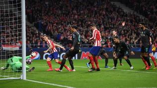 Colpo Atletico, Saúl stende il Liverpool