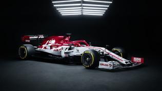 Il grigio lascia spazio al rosso-bianco-nero: svelata l'Alfa Romeo C39
