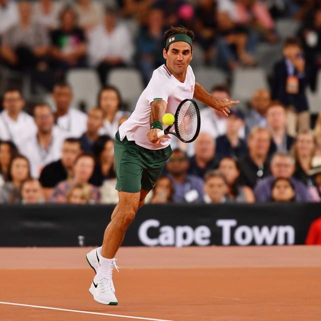 "Federer operato al ginocchio: ""Salteròil Roland Garros"""