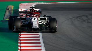 Il guizzo di Raikkonen, Vettel e Leclerc davanti ad Hamilton
