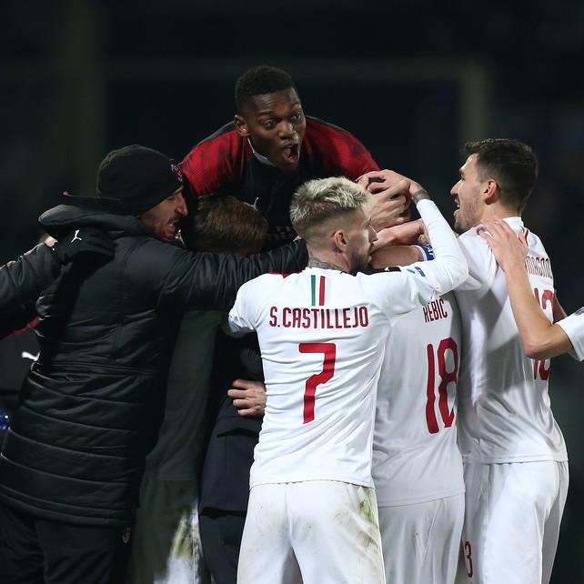 Il Milan spreca e si butta via, la Fiorentina strappa il pari in 10