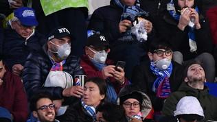 Napoli-Barcellona, i tifosi al San Paolo con le mascherine