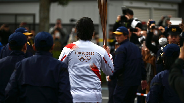 Le Olimpiadi di Tokyo tremano, Abe: