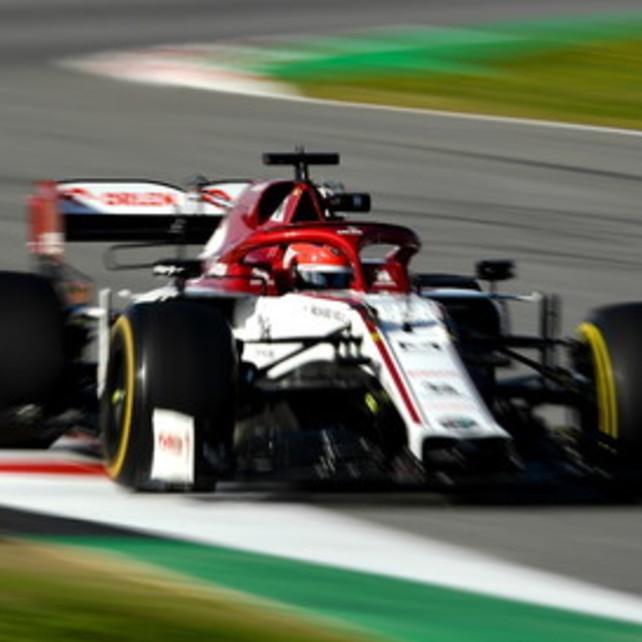 Kubica porta in alto l'Alfa. Ancora problemi per Vettel