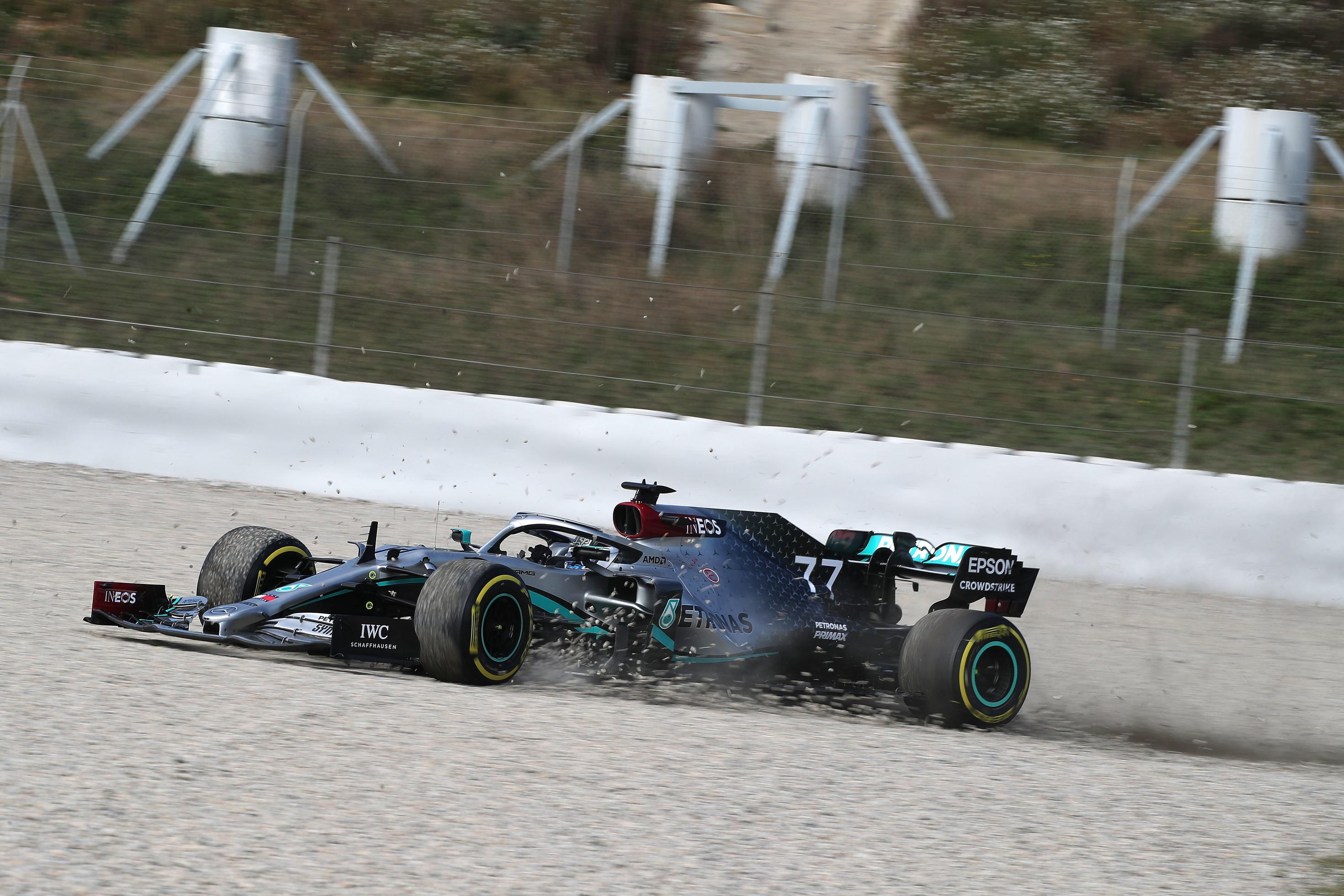 Nei test di F1 a Barcellona giovedìcon qualche intoppo anche per Verstappen, Bottas e Hamilton oltre a Vettel.