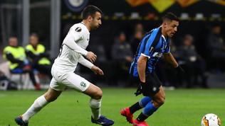 Nel silenzio di San Siro Biraghi e  gollonzo  di Lukaku: Inter agli ottavi