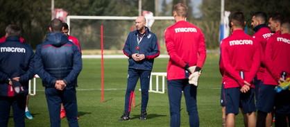 Doppia seduta di allenamento ad Asseminelloper Walter Zenga, nuovo tecnico del Cagliari