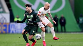 Il Wolfsburg frena il Lipsia, Leverkusen a valanga