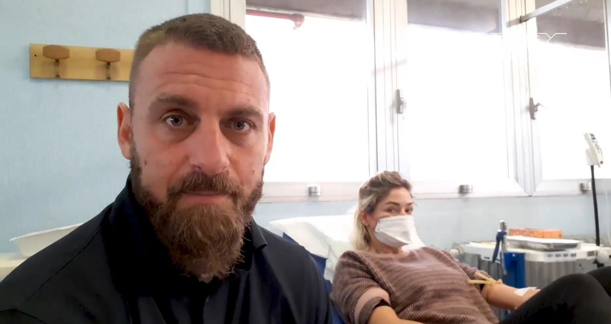 Dopo il calo delle donazioni di sangue in tutta Italia dovuto principalmente alla paura del coronaviruse l'appello del Centro Nazionale Sang...