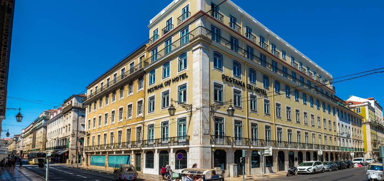 Falsa la notizia secondo cui Ronaldo avrebbe messo a disposizione dell'emergenza coronavirusi suoi due hotel in Portogallo: ilPestana ...