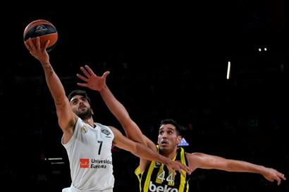 Ahmet Duverioglu (Basket - Fenerbahce)