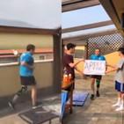 Coronavirus, corre la mezza maratona sul terrazzo di casa sua