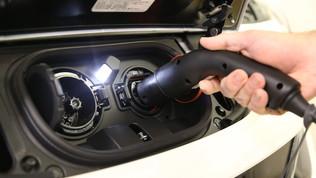Nissan, auto elettriche per fronteggiare le catastrofi