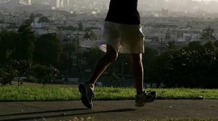 Oltre la quarantena: corre la maratona nel cortile di casa