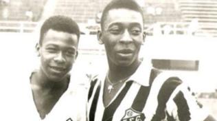 Brasile, Pelé piange il fratello minore Zoca