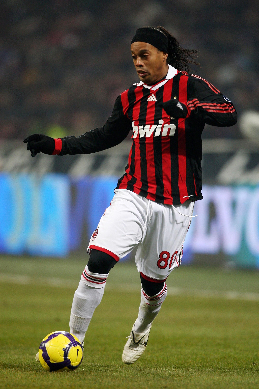 2) Ronaldinho