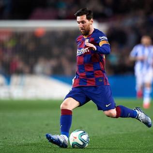 1) Lionel Messi