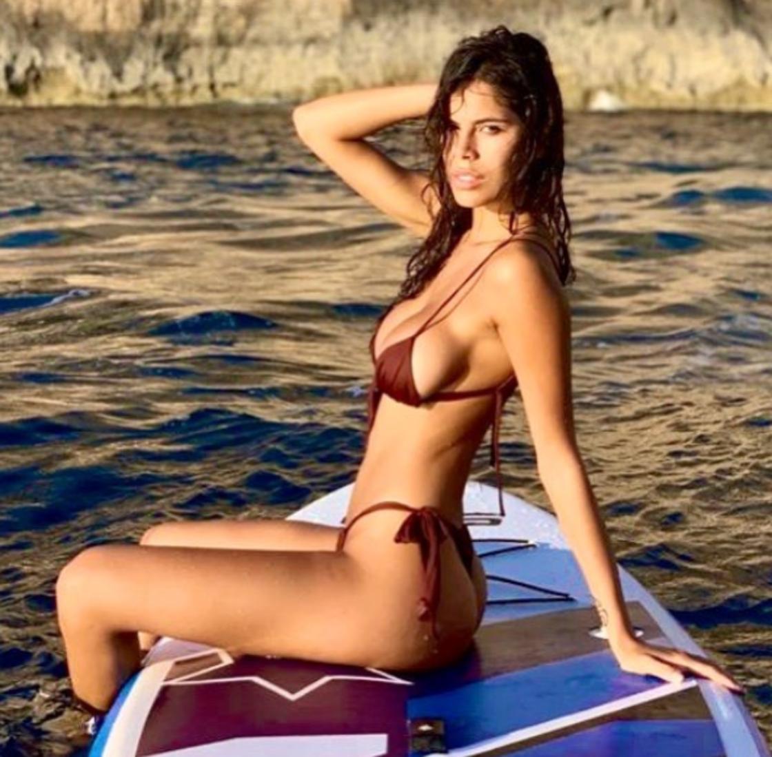 Sara Soldati, modella protagonista dell'ultima edizione del Grande Fratello VIP, un flirt la scorsa estate con Courtois (portiere del Real Madrid), è una grande tifosa della Juventus.