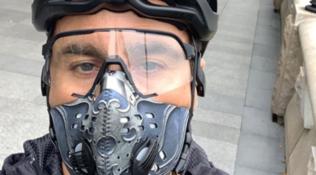 """Cannavaroin bici: """"In Cina la vita sta tornando normale"""""""
