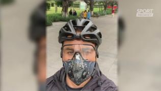 """Cannavaro in bici: """"In Cina la vita riprende"""""""