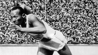 Jesse Owens, l'uomo che umiliò il Fuhrer