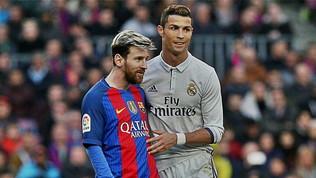 Dybala, Caceres e... Chi ha giocato con Messi e CR7?