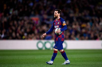 Il Cies, l&#39;osservatorio mondiale del calcio specializzato nello studio di ogni statistica, ha stilatola classifica dei 50 migliori giocatori del 2020 per valore basandosi sulle prestazioni in campo dei singoli calciatori dei top 5 campionati europei che abbiano giocato almeno un determinato numero di gare e sulle statistiche di Opta. La notizia clamorosa &egrave; che Lionel Messi non c&#39;&egrave;.<br /><br />