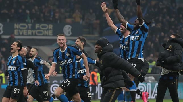 Serie A, taglio stipendi? L'Inter risparmierebbe 44 milioni | Grosse cifre per Napoli, Roma e Milan