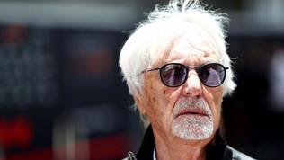 """Ecclestone: """"Ferrari, manca un leader. Hamilton sta bene dov'è"""""""