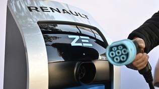 Il progetto Renault: auto elettriche ricaricate dai tram