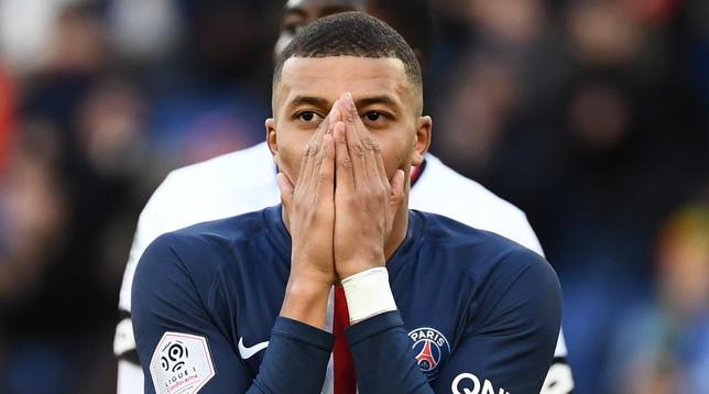 Francia, stop al calcio fino ad agosto: Ligue 1 cancellata