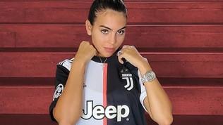 Georgina in aiuto della Spagna... con la maglia bianconera di Ronaldo