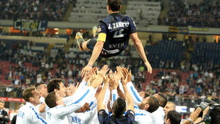 L'ultima di Zanetti con l'Inter: il commovente saluto a San Siro