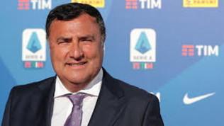 """Cinque sostituzioni, la Fiorentina si schiera: """"Siamo contrari"""""""