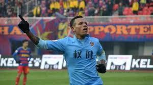 Arrivato nel 2016 dal San Paolo: 29 partite, 23 gol e 5 assist nell'unica stagione in Cina