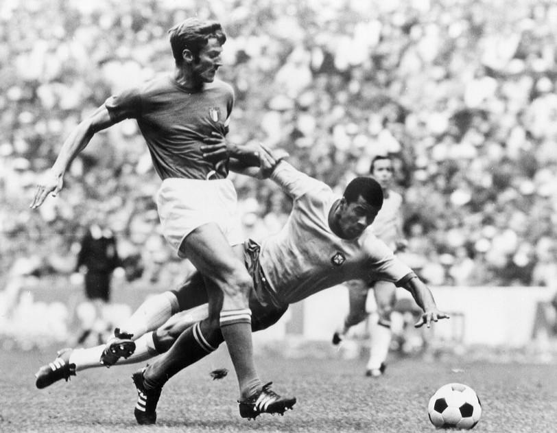 Facchetti contro Jairzinho nel 1970