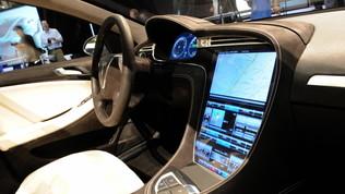 Tesla, in arrivo la super batteria da un milione di km