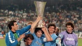 Il Napoli alza la Coppa Uefa: 31 anni fa l'impresa di Stoccarda