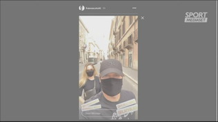 Totti e Ilary mascherati a spasso per Roma