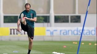 Juve, primo allenamento al completo: ci sono anche Higuain e Rabiot