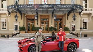 Leclerc e la Ferrari SF90 Stradale divi a Monaco