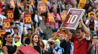 Totti, il 28 maggio 2017 l'addio alla Roma e al calcio
