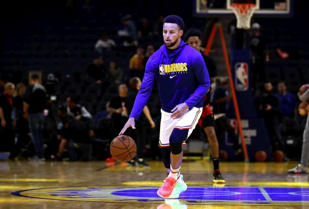 6 - Stephen Curry - basket - 74,4 milioni di dollari