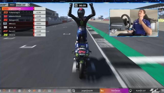 Lorenzo, digiuno finito: vince il GP di Silverstone... virtuale