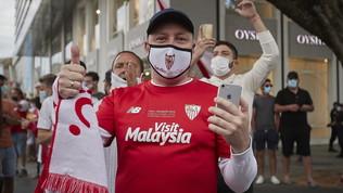 Liga, è la notte della ripartenza: le immagini del derby di Siviglia