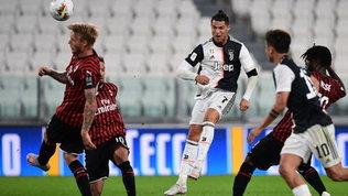 Ronaldo sbaglia eRebicvede rosso: Juve in finale con uno 0-0